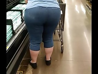 Pawg Gilf with huge cellulite ass