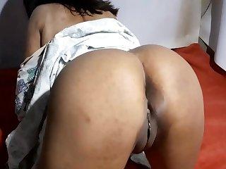 Indian desi Aishwarya bhabhi'_s thirsty pussy