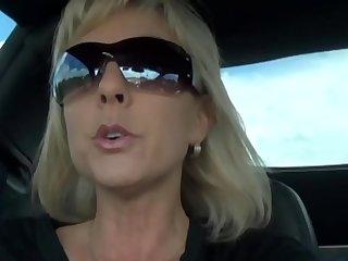 mature woman with big tits  AMAT33.COM