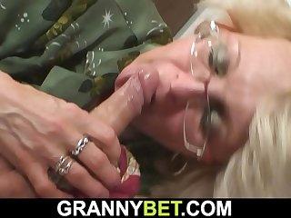 Shavedpussy mature woman