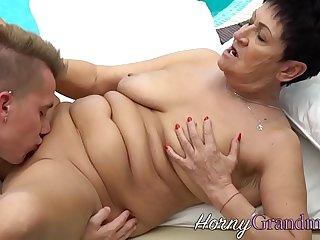Grandma gets mouth jizzed