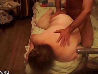 Привел молодого любовника для зрелой пышной SexWife жены