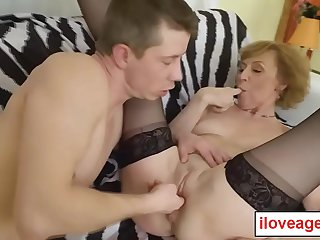 Old Lady Dana B rubbing her milf twat when Mirek came to fulfill her sexual needs