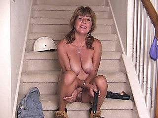 Coveralls are cute on a masturbating solo older hottie