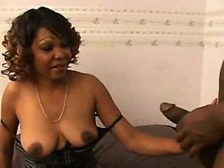 tengie sweet  Ebony Mature get pounded