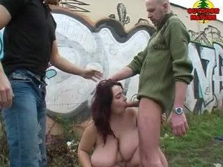 BBW Outdoor Group sex 3