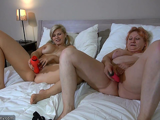 Super hot fuck Mom by GIRL