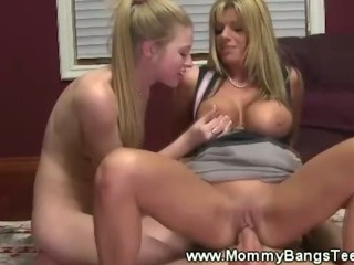 Mommy teaches boy how to insert a pussy