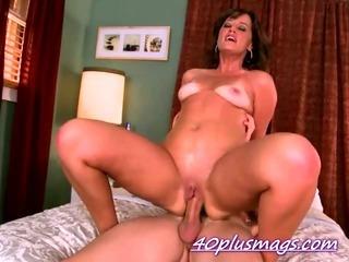 Pounding a hot mature mother