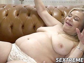 Lush granny pussy banged after juicy fellatio